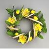 Ratanový věneček s jarní dekorací