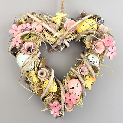 Velikonoční srdce z ratanu s vajíčky