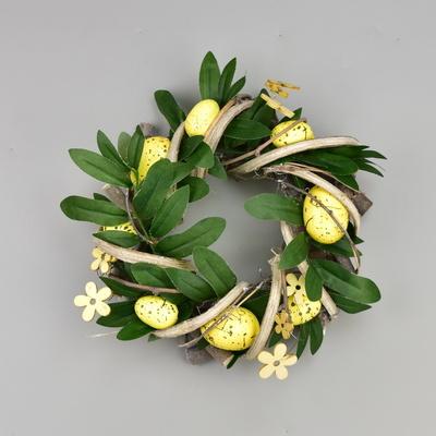 Velikonoční ratanový věneček s dekorací
