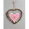 Dřevěná závěsná dekorace srdce